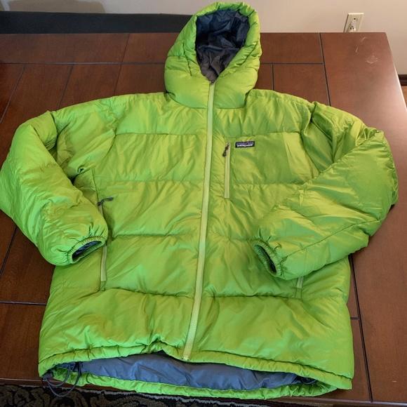 🔥 Patagonia Men's Green Jacket (L)